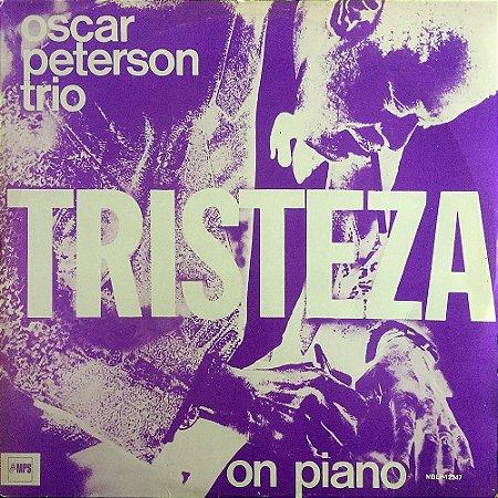 Oscar Peterson Trio - 1975 - Tristeza on Piano