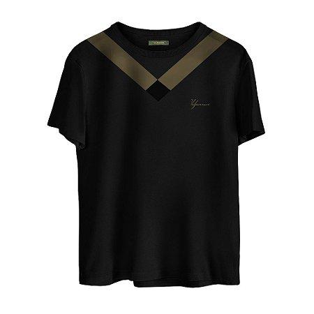 Camiseta Masculina Valparroci 'Majestade 17' Preta