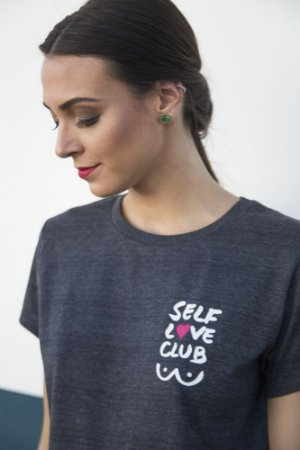 Camiseta Feminina Self Love Cinza