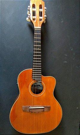 Cavaco Eletro-Acústico Artesanal Luthier Amorim com Cutaway