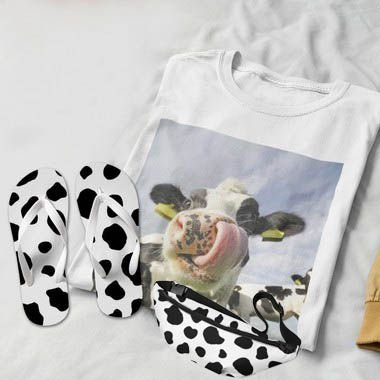 Combo Vaca: T-shirt Branca + Chinelo de dedo + Pochete