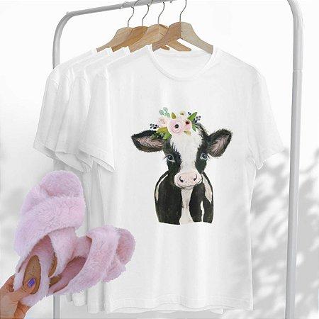 Combo Vaca: Uma T-shirt Branca + Chinelo peluciado Rosa Bebê