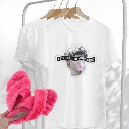 Combo It's all: Uma T-shirt Branca + Chinelo peluciado Pink