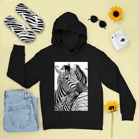 Combo Moletom Preto Capuz + Chinelo: Zebra
