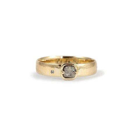 Anel em Ouro Amarelo 18k e Diamante Bruto | Sob Medida