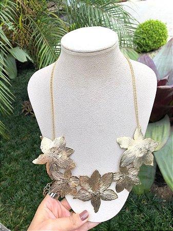 Maxi Colar Flor Dourado
