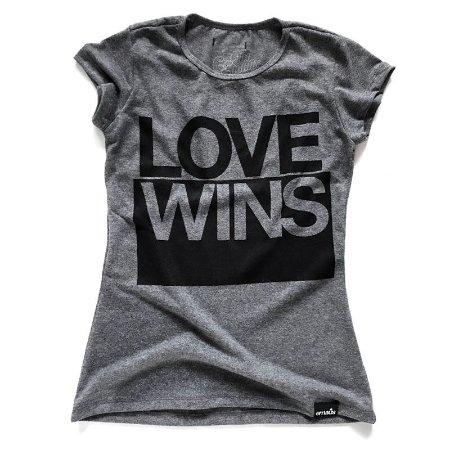 CAMISETA FEMININA LOVE WINS