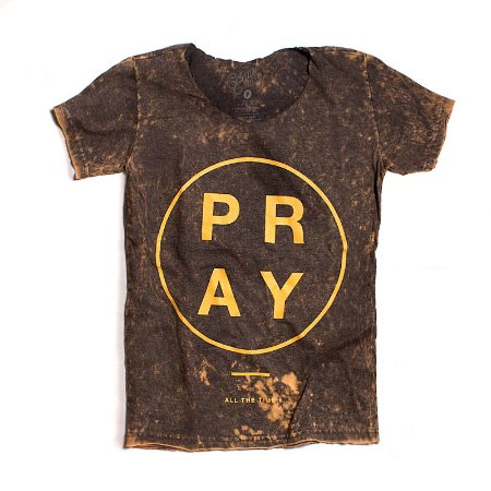 camiseta estonada PRAY gola canoa manual