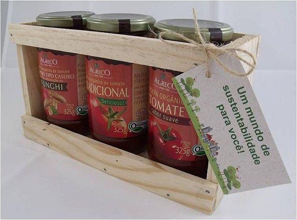 Kit presente orgânico. 03 Molhos ou Polpa de Tomate e caixa de madeira