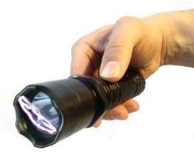 Aparelho de Choque Recarregável para Defesa Pessoal - lanterna