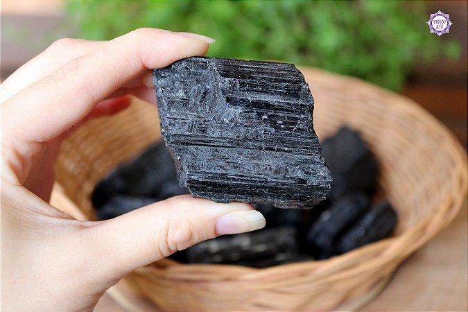 Turmalina Negra Bruta (de 100g a 150g a unidade)| Pedra de Proteção e Purificação