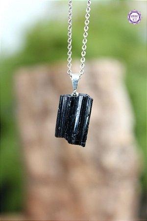 Pingente Médio de Turmalina Negra Bruta (Pino Prateado) | Pedra de Proteção e Purificação
