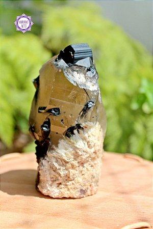 Ponta de Citrino Natural com Turmalina Negra (448g)   Cristal da Prosperidade, Abundância, Manifestação e Proteção!