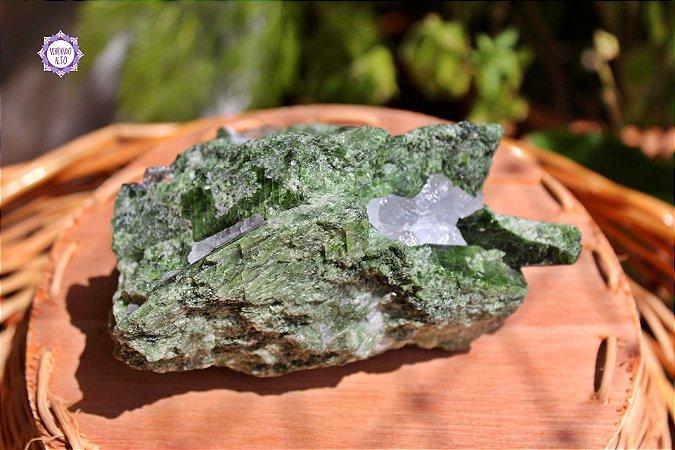 Diopsidio Verde 740g | Pedra de Abertura do Coração e Ligação com a Terra!