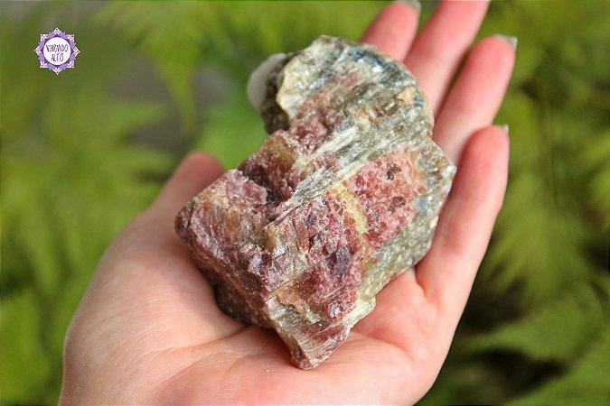 Turmalina Melancia Bruta (250g)   Pedra da Alegria e da Calma!