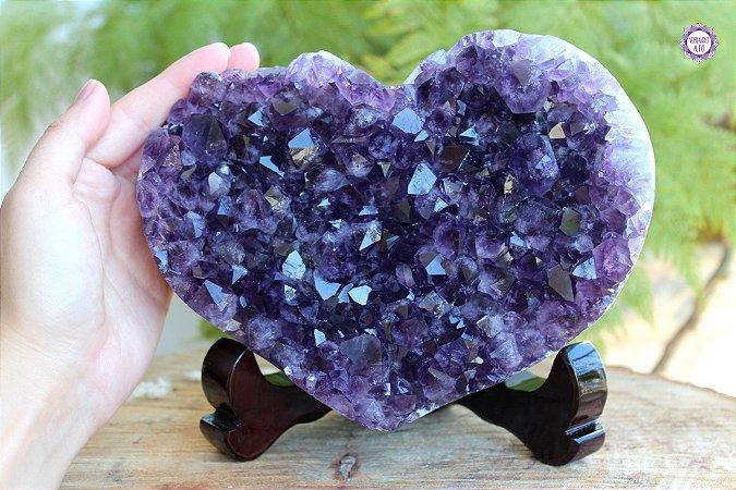 Drusa Especial Coração de Ametista 2.2kg com Suporte | Cristal de Proteção e Transmutação