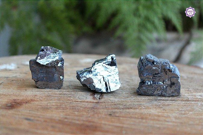 Galena (de 75g a 95g a unidade) | Pedra da Autotransformação Alquímica e Alinhamento com o Coração da Terra