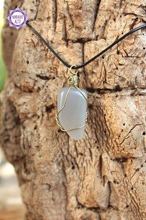 Pingente Pedra da Lua Natural com Cordão Preto Regulável (Fio Prateado) | Pedra da Autodescoberta e Intuição!