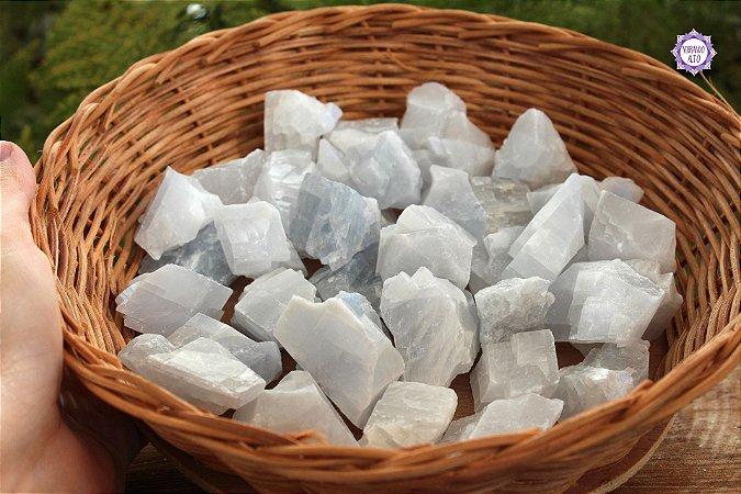 Calcita Azul Translúcida Bruta (de 20g a 29g) | Pedra da Inspiração Criativa e Habilidades Mediúnicas