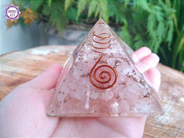 Orgonite Pirâmide Quartzo Rosa e Quartzo | Limpeza Emocional e do Campo Energético