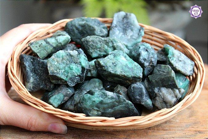 Esmeralda Bruta (de 20g a 30g a unidade) - Pedra de 2020 | Pedra do Amor Divino, Cura e Prosperidade