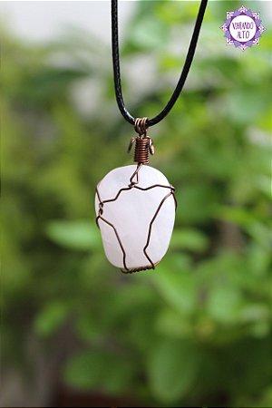 Colar Quartzo Rosa com Cordão Ajustável (Arame cobreado) | Pedra do Amor e Cura Emocional