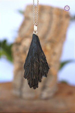 Pingente Cianita Negra (Prata 950) | Pedra para Cura Energética e Proteção