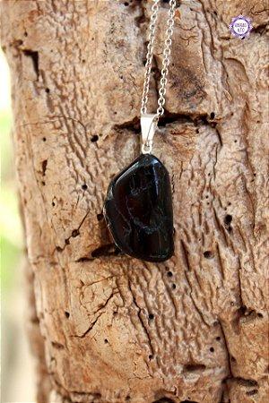Pingente Médio Turmalina Negra Rolada (Pino Prateado) | Pedra de Proteção e Purificação