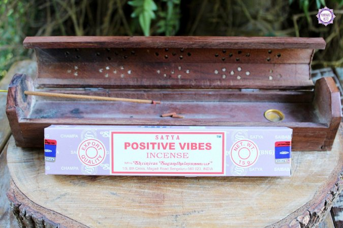 Incenso Importado Vibrações Positivas caixa com 12 varetas