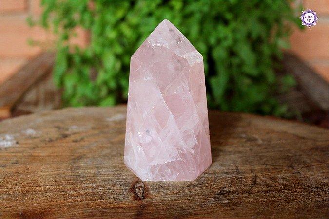 Ponta de Quartzo Rosa Lapidada 293g | Cristal para o Amor e Cura Emocional