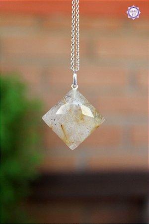 Pingente Losango Quartzo Rutilado (Prata 950) | Cristal de Percepção Expandida e Manifestação