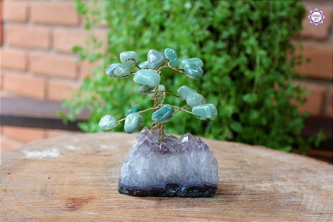 Árvore de Quartzo Verde P com 11cm base Drusa de Ametista 327g | Cristal de Cura e Limpeza Emocional