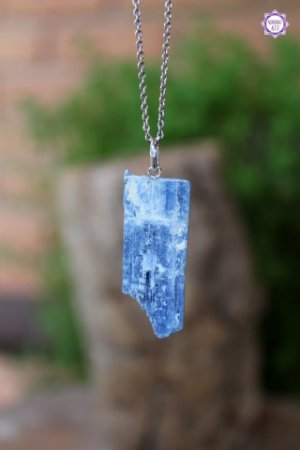Pingente de Cianita Azul (Prata 950) | Pedra da Telepatia e Arcanjo Miguel