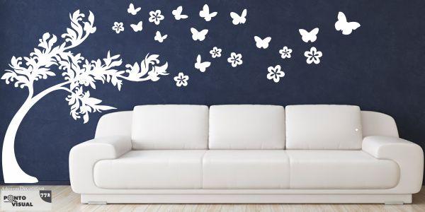 Árvore com borboletas