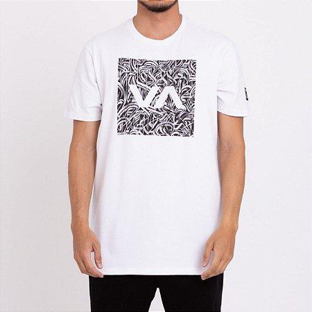 Camiseta RVCA Defer All The Way Masculina Branco
