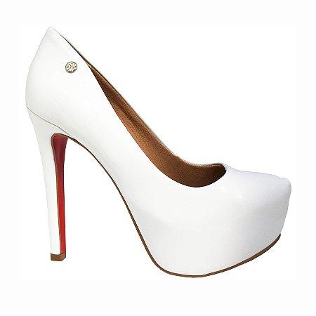 Scarpin Le Bianco Glamour Salto Alto Branco em Verniz com Meia Pata Interna Solado Vermelho