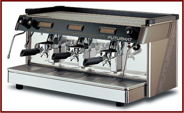 Máquina de café Futurmat Eletrônica 3 grupos + Moedor Mazzer Eletrônico