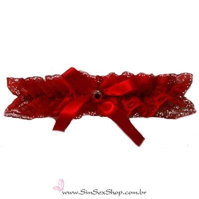 Persex em renda com laço de cetim com pedra cor vermelha