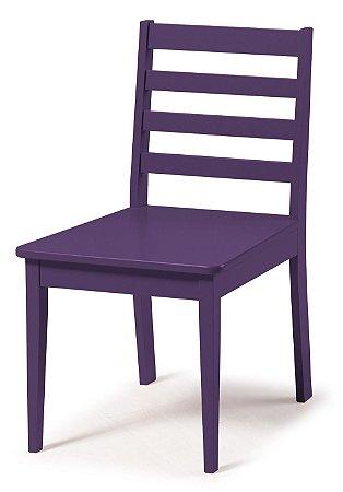 Cadeira Imperial com Encosto Ripado e Acento na Cor Roxa