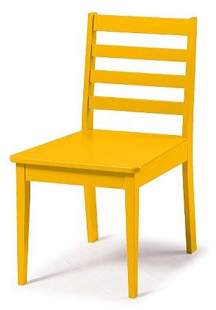 Cadeira Imperial com Encosto Ripado e Acento na Cor Amarelo