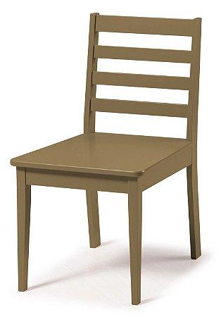Cadeira Imperial com Encosto Ripado e Acento na Cor Marrom Claro