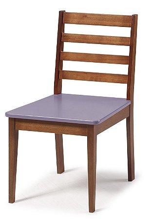 Cadeira Imperial com Encosto Ripado Marrom  e Acento na Cor Lilás