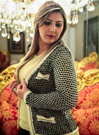Casaqueto Preto c Lourex Dourado (modelo Chanel)