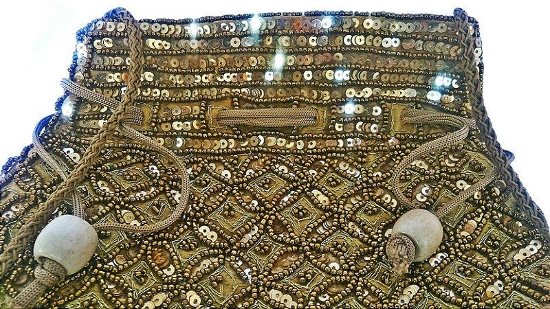 Bolsa saquinho dourada - Índiana