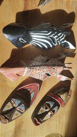 02 Máscaras Zebra/ Girafa + 02 Máscara Africana 20cm