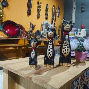 Trio de Gatos pintas madeira
