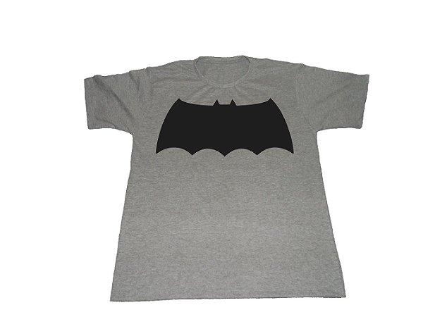 Camiseta Batman Cavaleiro das Trevas Logo - Masculina
