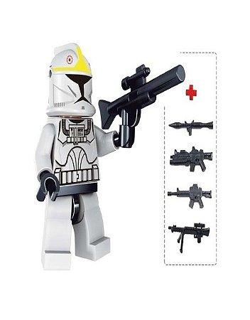 Boneco Clone Trooper Amarelo Star Wars Lego Compatível c/ 6 Armas (Edição Deluxe)