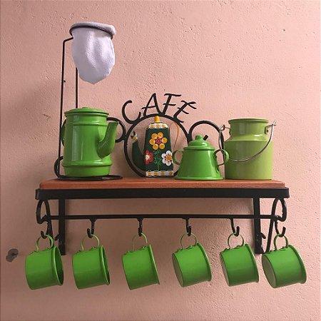 CANTINHO DO CAFÉ COM KIT BULE VERDE EM ALUMÍNIO COM CANECA