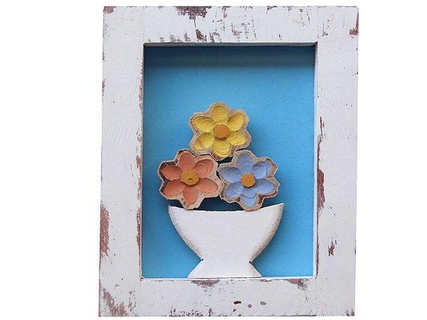 Quadro de jarro com flores fundo azul